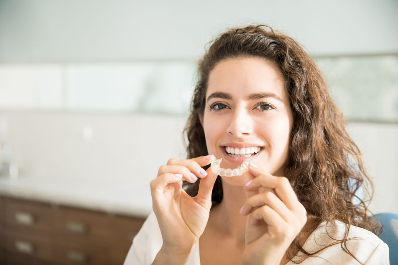 What Is A Mouth Splint? (Function and Health Indication)